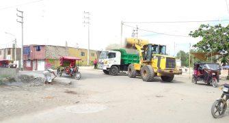 limpieza de montículos de basura y desmontes en la entrada al sector los Pinos6